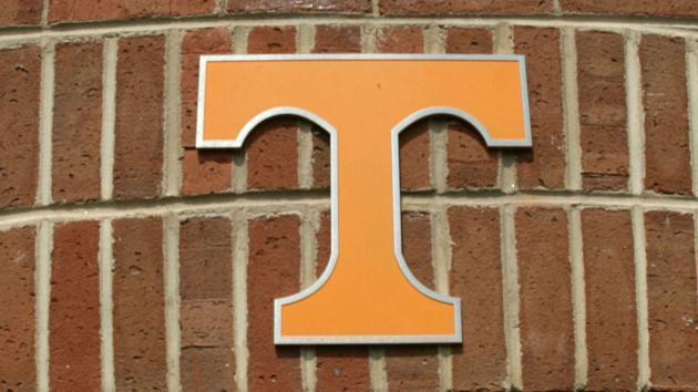 Watch: Tennessee cuts drill short to surprise TE with scholarship