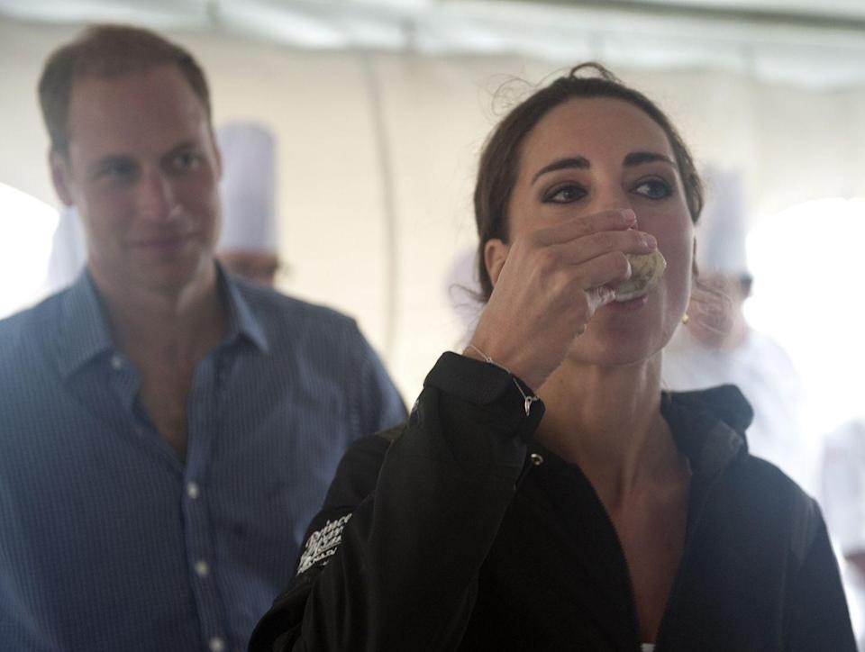 <p>Look, there's no way to eat an oyster gracefully, but Kate Middleton gets about as close as you can during this meeting with local chefs in Prince Edward Island. When in Rome ... or in this case, when in Canada.<br></p>