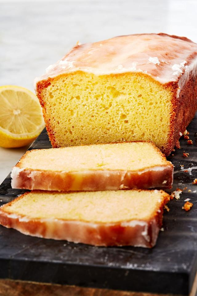 "<p>Five ingredients make up this super easy, gorgeous lemon drizzle cake. The British classic is one of the nation's favourite cakes for a reason and we can't get enough of the citrusy, moist loaf. </p><p>Get the <a href=""http://www.delish.com/uk/cooking/recipes/a28867437/lemon-drizzle-cake/"" target=""_blank"">Lemon Drizzle Cake</a> recipe. </p>"