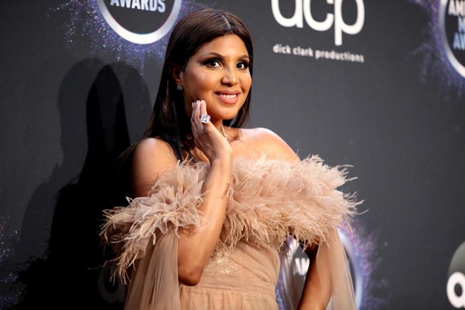 LOS ANGELES, CALIFORNIA - NOVEMBER 24: Toni Braxton poses in the press room during the 2019 American Music Awards at Microsoft Theater on November 24, 2019 in Los Angeles, California. (Photo by Rich Fury/Getty Images)