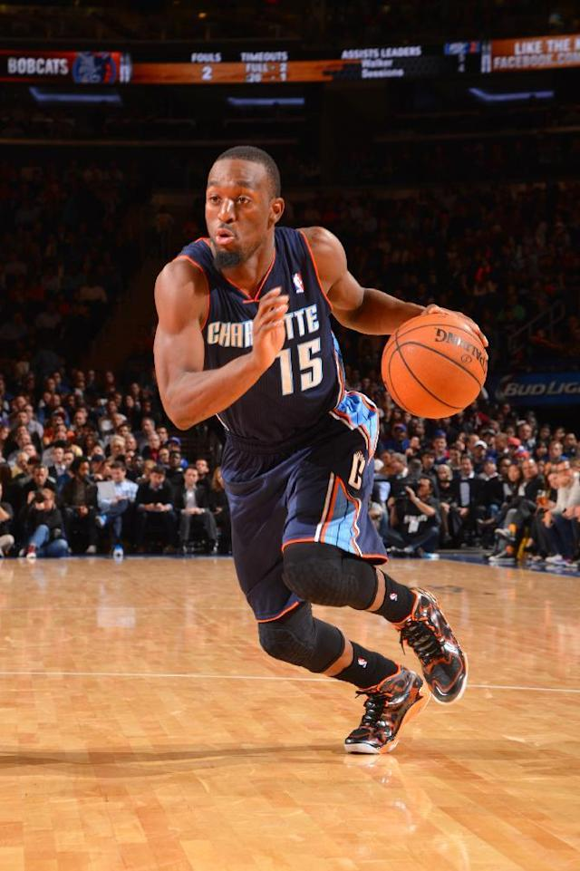 Walker and Bobcats hold off Knicks