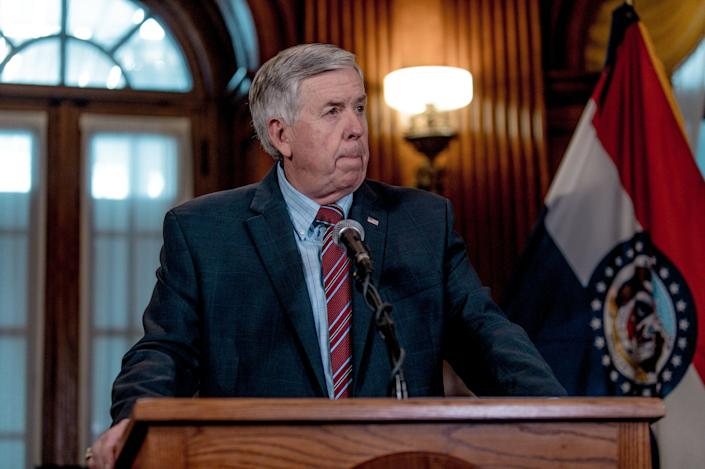 Missouri Gov. Mike Parson (R) at a news conference in 2019. This week, he blamedfederal unemployment benefits for a worker shortage in his state. (Photo: Jacob Moscovitch via Getty Images)