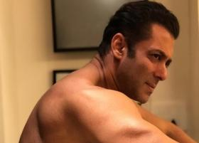 Salman Khan posts video in 'old fashioned' way on social media