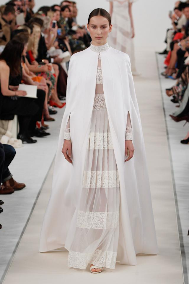 <p>What a lovely look for a white wedding.</p>