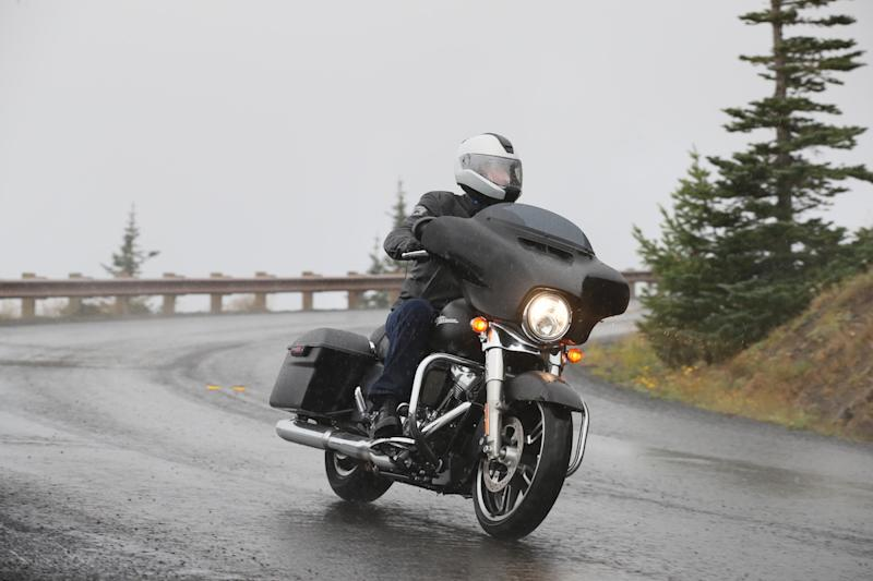 Difference Between Street Glide And Road Glide >> 2017 Harley-Davidson Street Glide - First Ride