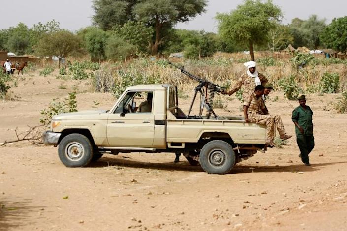Heavy fighting in Sudan's Darfur has seen over 80 people killed; this photo from April 2016 shows a convoy of Sudanese security forces in El Geneina