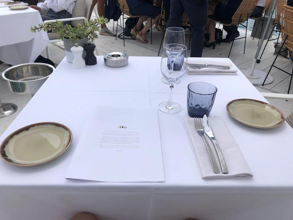 BFire Cannes restaurant table