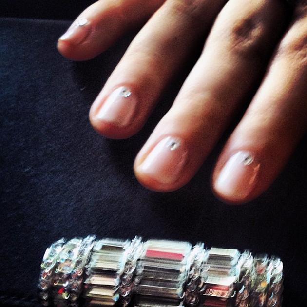 On our way to the #sagawards! Got some rhinestones on mah nails ;) thank you @ChristinAviles! - @Sarah_Hyland