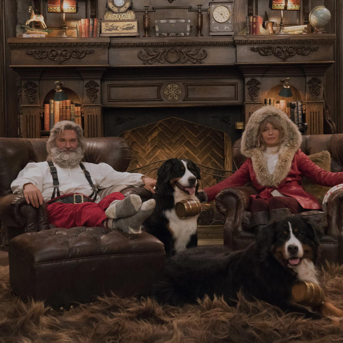 Santa (Kurt Russell) and Mrs. Claus (Goldie Hawn) get ready for the holidays in