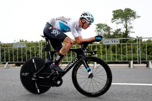 Chris Froome crashes as Team Sky leader prepares for Giro d'Italia