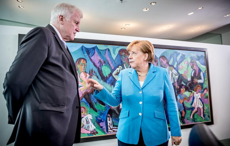 Seehofer vs. Merkel.