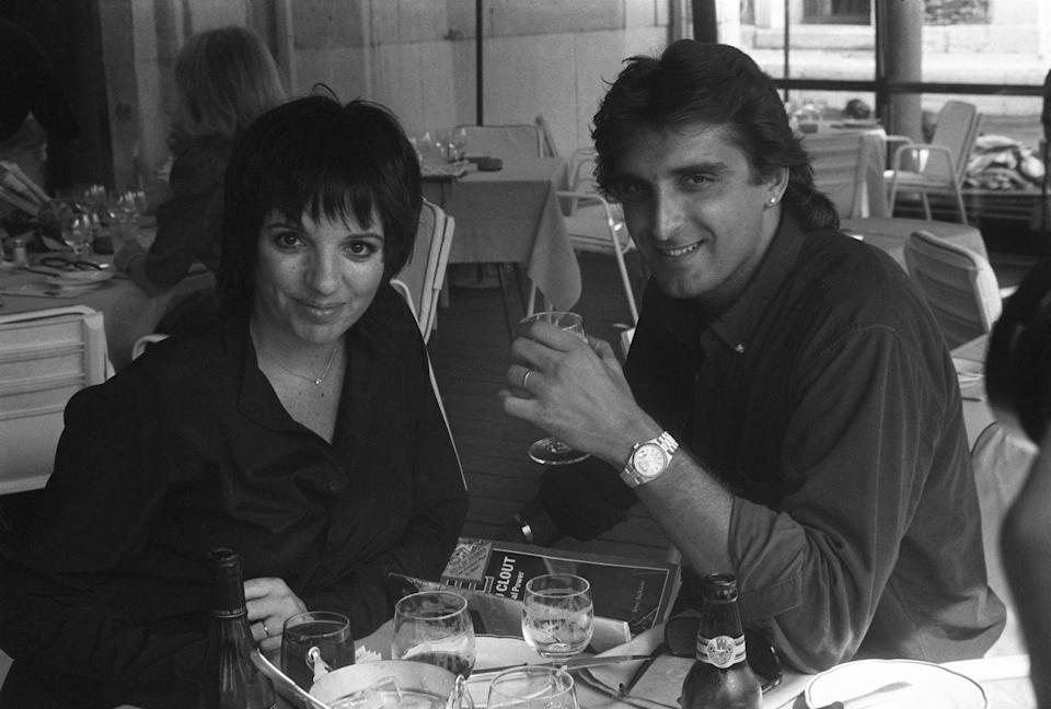 <p> Actress and singer Liza Minnelli and her husband Mark Gero having lunch in Venice, Italy.</p><p>Other celebrity visitors this year: Walter Matthau, Audrey Hepburn, Gregory Peck.<br></p>