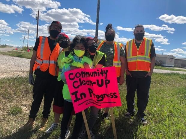 The group Hope for Healing was started by a few cousins from the Piikani First Nation in an effort to clean up and rebuild community spirit.   (Colleen Underwood - image credit)