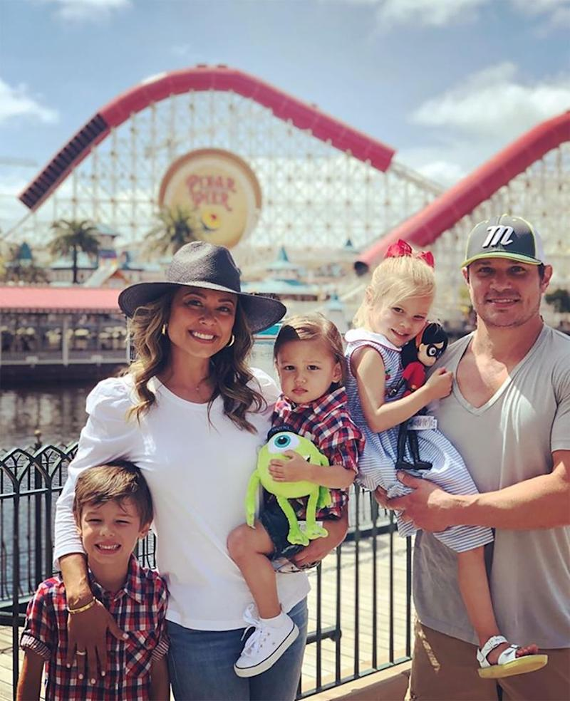 Vanessa (L) and Nick Lachey with their kids | Vanessa Lachey/Instagram
