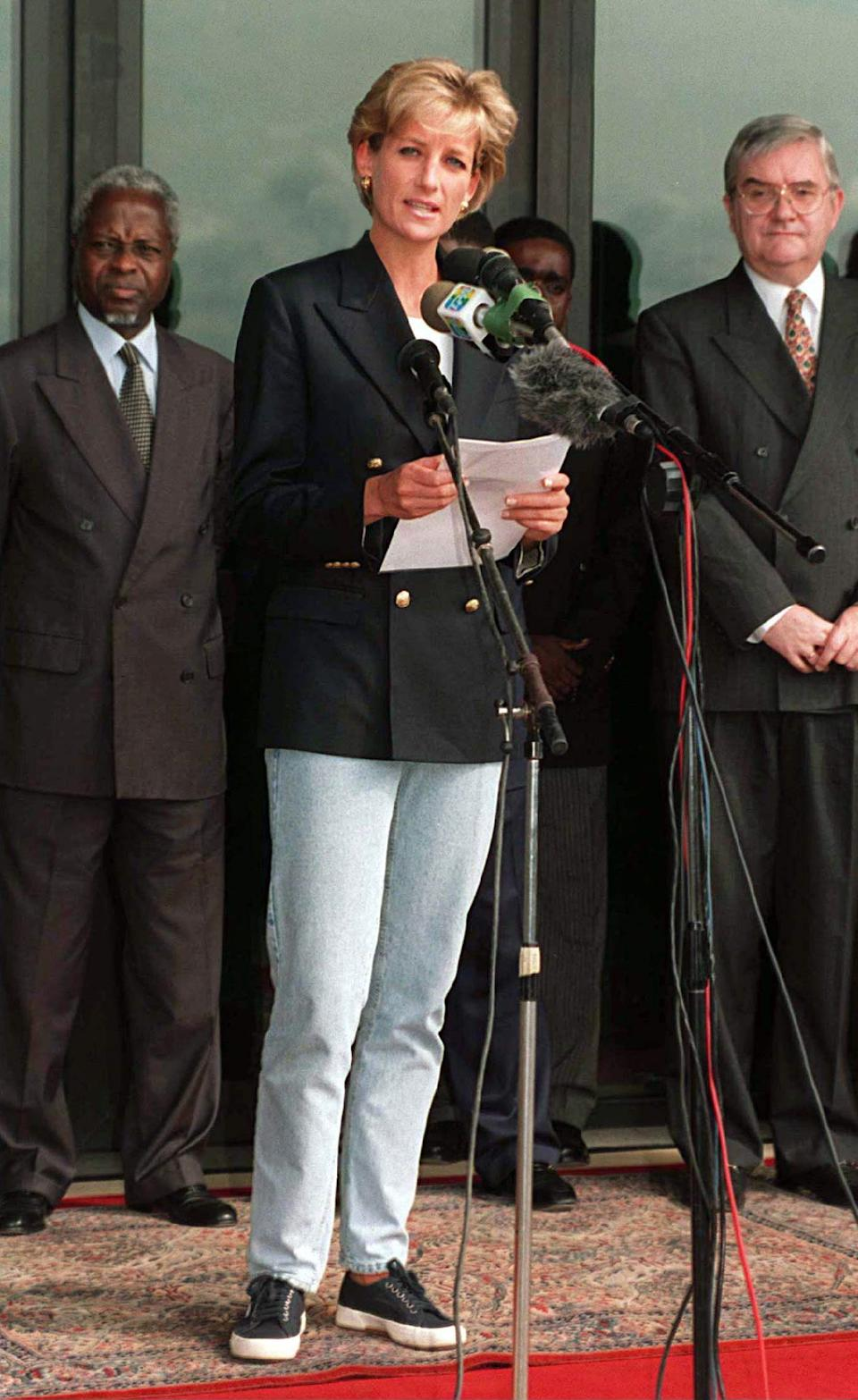 ANGOLA - JANUARY 13:  Diana, Princess Of Wales, Making A Speech On Her Arrival At Luanda Airport, Angola, On The Start Of Her Four Day Visit To Red Cross Projects In Angola  (Photo by Tim Graham Picture Library/Getty Images)