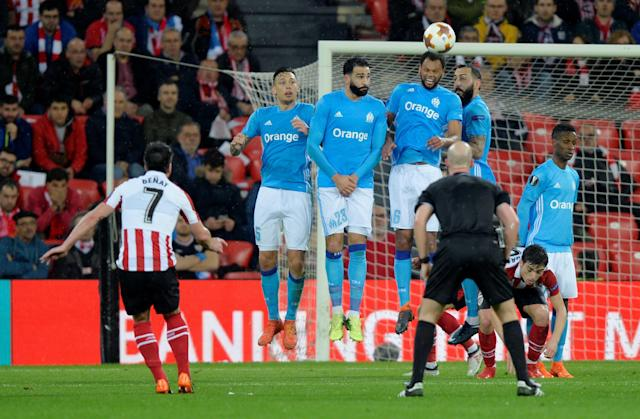 Soccer Football - Europa League Round of 16 Second Leg - Athletic Bilbao vs Olympique de Marseille - San Mames, Bilbao, Spain - March 15, 2018 Athletic Bilbao's Benat shoots at goal from a free kick REUTERS/Vincent West