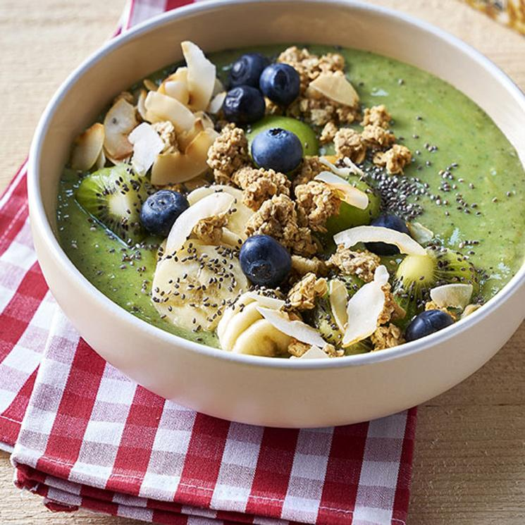 green-bowl-smoothie-granola