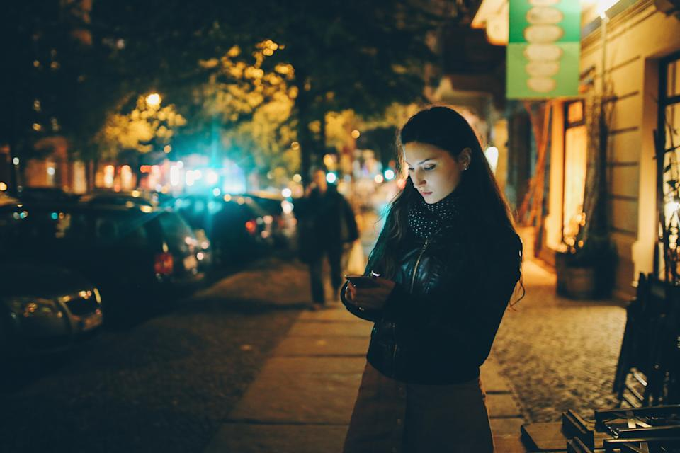 Women are sharing a personal safety phone tip on social media. (Getty Images)