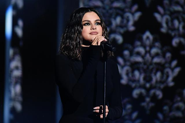 """Selena Gomez slammed for """"off key"""" performance at the 2019 American Music Awards. (Photo: Getty Images)"""