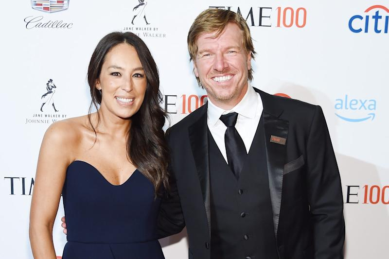 Chip and Joanna Gaines celebrate Crew's 1st birthday with photos of 'squishy legs' and cake