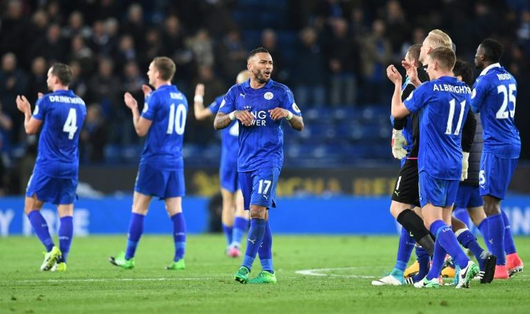 Leicester City's defender Danny Simpson (C) celebrates following the English Premier League football match between Leicester City and Sunderland at the King Power Stadium in Leicester, central England on April 4, 2017