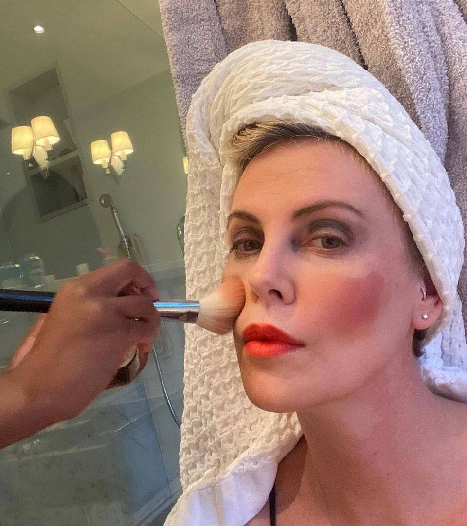 Charlize Theron Lets Her Daughter Do Her Makeup — and Jokingly Tells Professionals to 'Watch Out!'