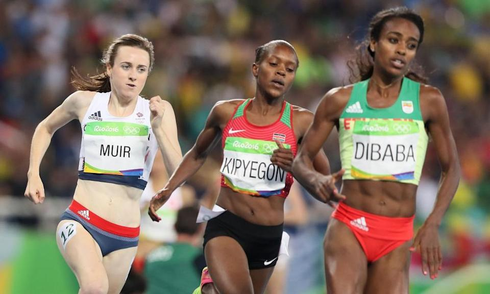 Laura Muir chases Faith Kipyegon and Genzebe Dibaba in the Rio 1500m final