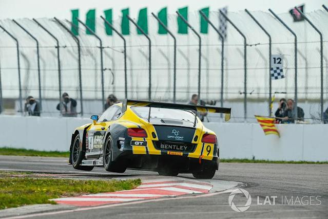 "#9 K-PAX Racing Bentley Continental GT3: Alvaro Parente <span class=""copyright"">Richard Dole / Motorsport Images</span>"