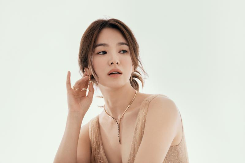 Song Hye-kyo models Bee My Love collection. (PHOTO: Chaumet)