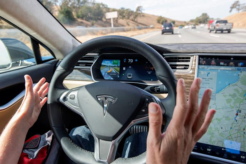 U.S. Government Releases Outline of Plan to Get Self-Driving Cars on the Road