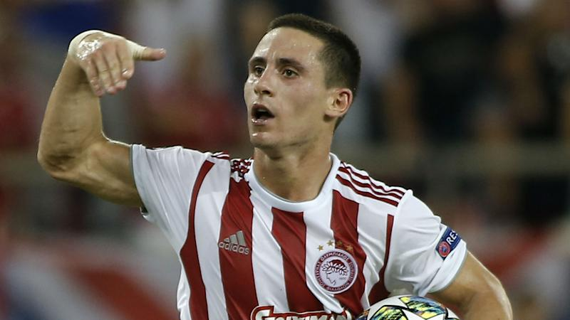 Wolves land Olympiacos winger Podence