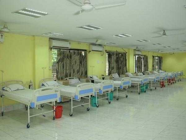 COVID recover-cum-isolation centre at ER's Majerhat Sports Complex (Photo/ANI)