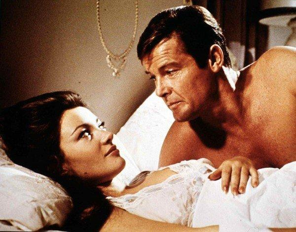 Roger Moore as James Bond in Live and Let Die (United Archives/DPA)