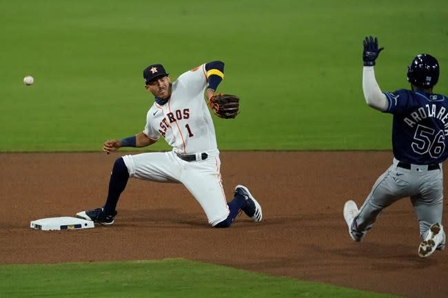 Altuve's throwing yips hurt Astros again in Game 3 of ALCS