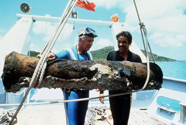 PHOTO: On Friday, June 21, 1985, '20/20' correspondent Geraldo Rivera assembled his crew including Hugh Downs as navigator, and made his maiden voyage sailing his 44 ft. sailboat, 'The New Wave' in the famed 'Marion Bermuda Yacht Race.' (ABC)