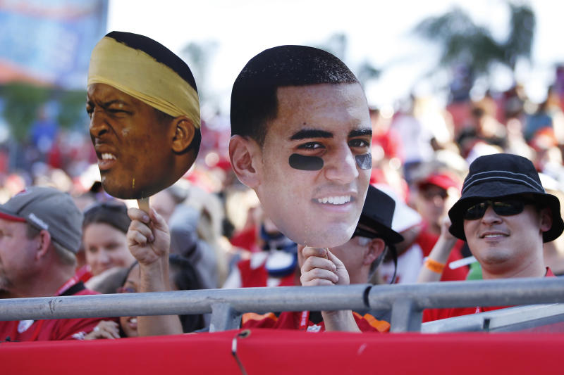 In 2014 and 2015, the debate for the top pick in the NFL draft ame down to Jameis Winston and Marcus Mariota. (Getty Images)