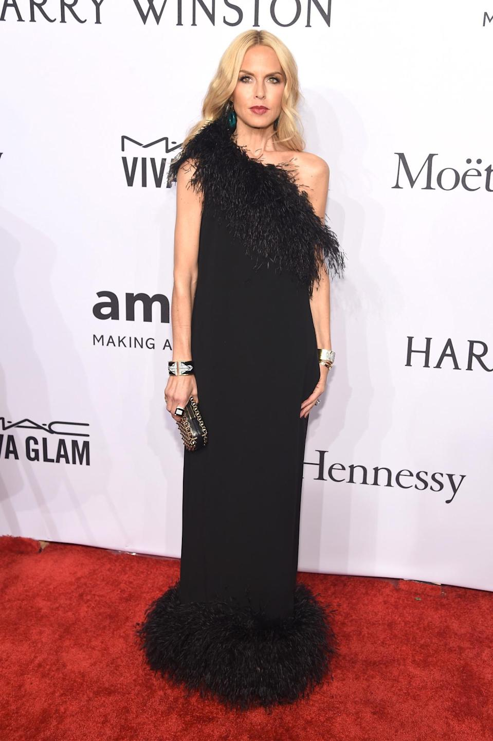 <p>Wearing a dress from her own collection, stylist-to-the-stars Rachel Zoe looked undeniably glam.<i> [Photo: Getty]</i><br></p>