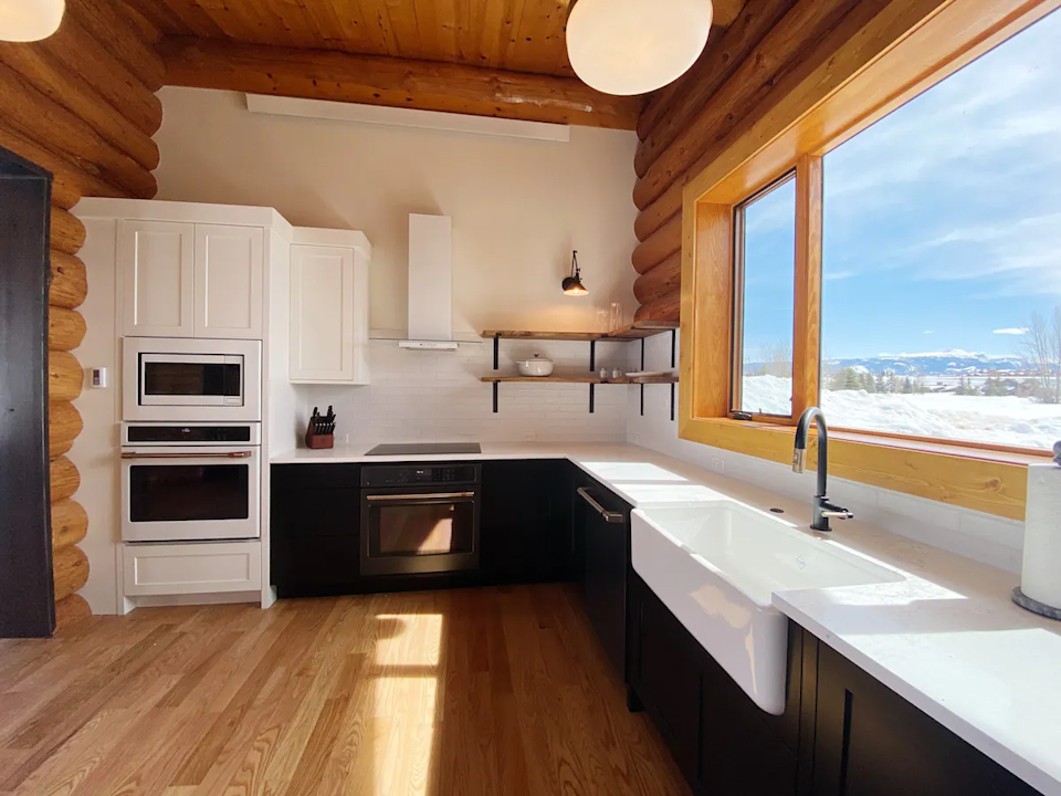 """<h3><span><h2>Grand Teton National Park, Wyoming</h2></span></h3><br><strong>Location: </strong>Jackson, Wyoming<br><strong>Sleeps: </strong>6<br><strong>Price Per Night: </strong><a href=""""https://airbnb.pvxt.net/VyOWVE"""" rel=""""nofollow noopener"""" target=""""_blank"""" data-ylk=""""slk:$800"""" class=""""link rapid-noclick-resp"""">$800</a><br><br>""""Breathtaking views! This 2895-square-foot, newly remodeled house and 868-square-foot guest cabin is nestled at the base of the Teton Mountain Range. The main house is five bedroom, three and a half bath, while the guest cabin has one bedroom, and one bath. Combined you will have room for 16 guests. You'll have no shortage of space here. Experience the true meaning of Wyoming hospitality when you stay in our cozy paradise in beautiful Jackson Hole where every room has a view."""" <br><br><h3><a href=""""https://airbnb.pvxt.net/VyOWVE"""" rel=""""nofollow noopener"""" target=""""_blank"""" data-ylk=""""slk:Book Whispers of The Wild with Front Row Teton Views"""" class=""""link rapid-noclick-resp"""">Book Whispers of The Wild with Front Row Teton Views</a></h3><span class=""""copyright"""">Photo: Courtesy of Airbnb.</span>"""