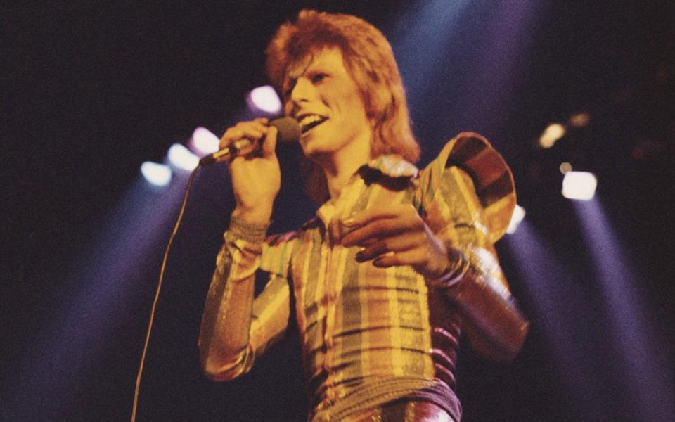 David Bowie on his Ziggy Stardust/Aladdin Sane tour at Earl's Court in May 1973 - Hulton Archive
