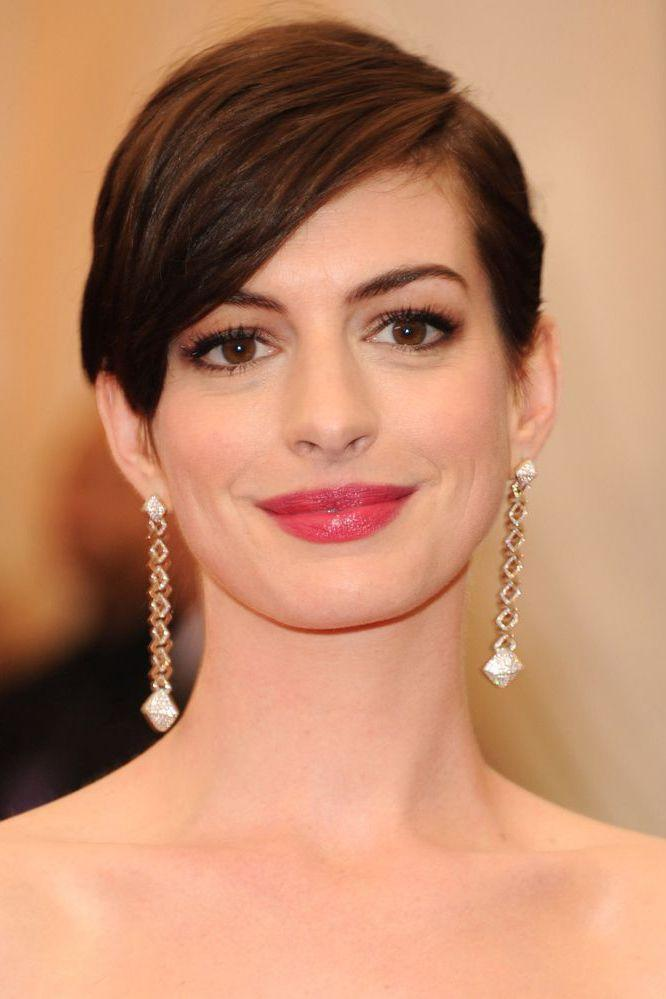 <p>When we watched Anne Hathaway shave off her own hair for real in Les Miserables we weren't so sure about the tufty finish. One sleek transformation later and Anne's crop is red-carpet ready.</p>