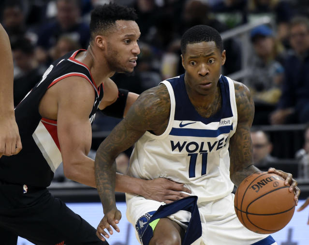 "<a class=""link rapid-noclick-resp"" href=""/nba/teams/min/"" data-ylk=""slk:Minnesota Timberwolves"">Minnesota Timberwolves</a> guard <a class=""link rapid-noclick-resp"" href=""/nba/players/3407/"" data-ylk=""slk:Jamal Crawford"">Jamal Crawford</a> (11) drives against <a class=""link rapid-noclick-resp"" href=""/nba/teams/por/"" data-ylk=""slk:Portland Trail Blazers"">Portland Trail Blazers</a> guard <a class=""link rapid-noclick-resp"" href=""/nba/players/4717/"" data-ylk=""slk:Evan Turner"">Evan Turner</a> during the fourth quarter of an NBA basketball game on Monday, Dec. 18, 2017, in Minneapolis. (AP Photo/Hannah Foslien)"
