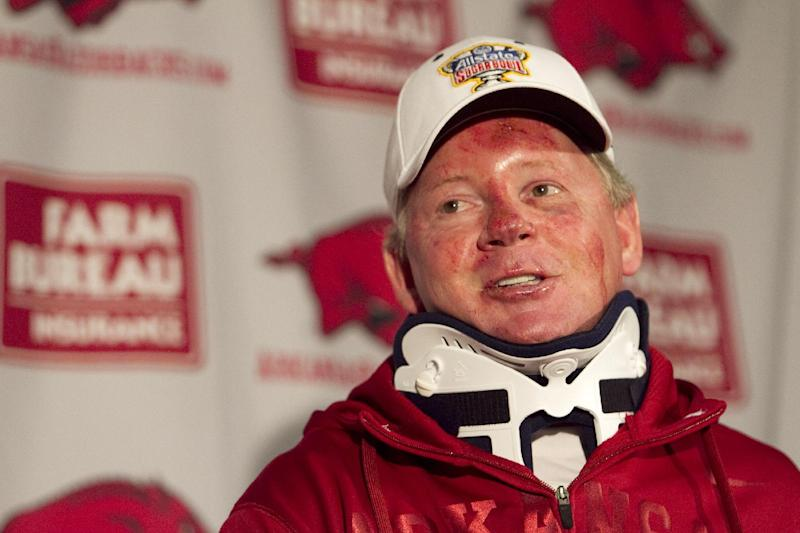 AP source Bobby Petrino accepts Louisville offer