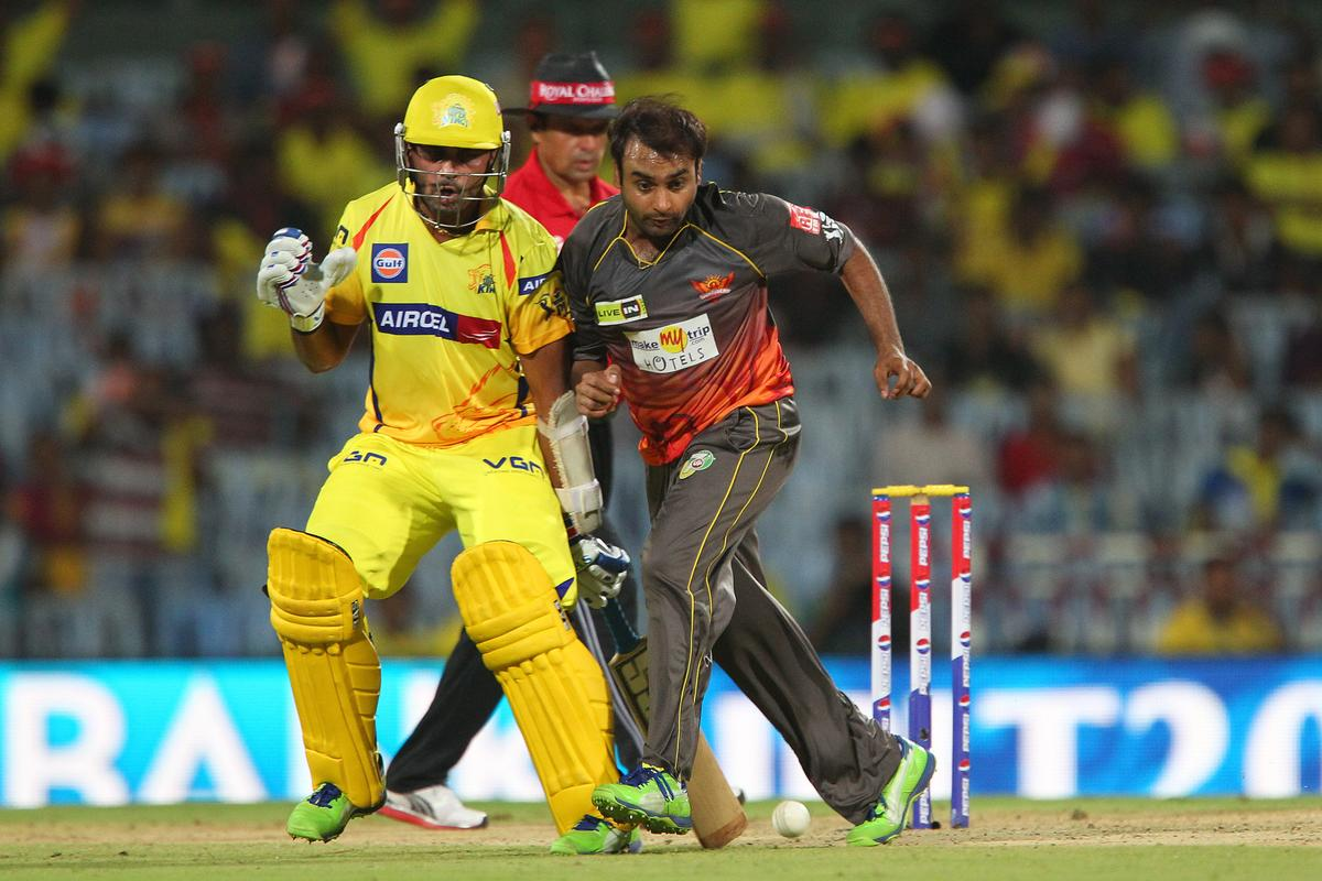 Amit Mishra clashes with Murali Vijay during match 34 of the Pepsi Indian Premier League between The Chennai Superkings and the Sunrisers Hyderabad held at the MA Chidambaram Stadiumin Chennai on the 25th April 2013. (BCCI)