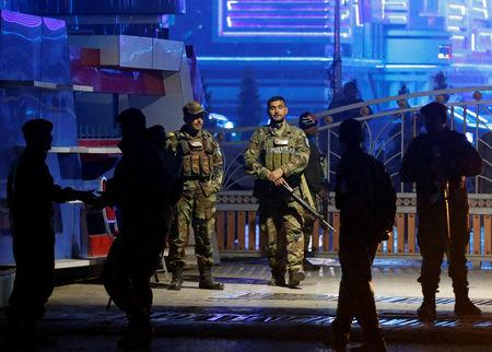 Afghan security forces arrive at the site of a suicide bomb attack in Kabul, Afghanistan November 20, 2018. REUTERS/Omar Sobhani