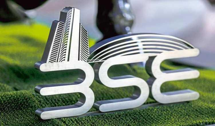 Sensex slips from lifetime high on profit booking