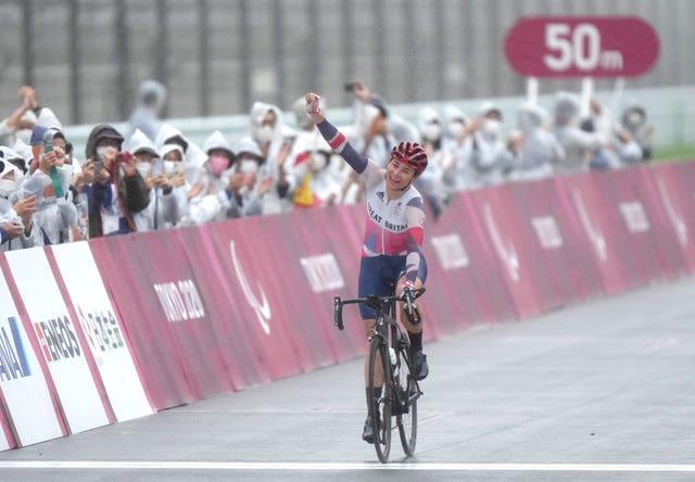 Sarah Storey celebrates winning the gold medal in the women's C4-5 road race