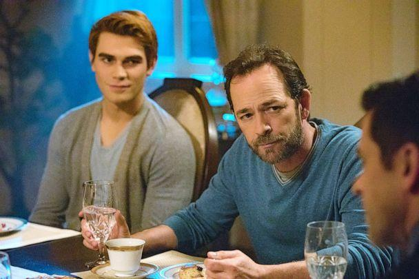 PHOTO: KJ Apa and Luke Perry appear on an episode of 'Riverdale.' (Jack Rowand/The CW)