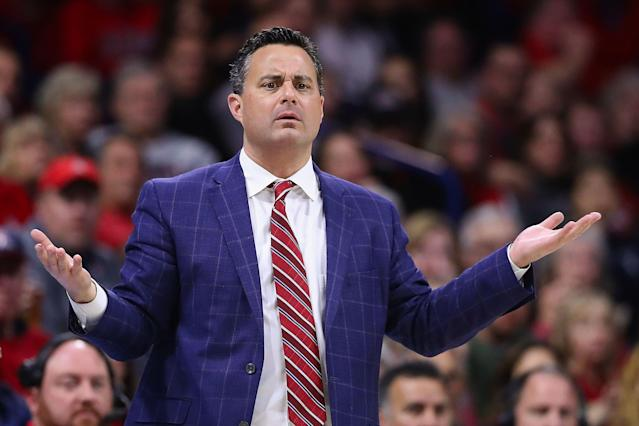 "Sean Miller of the <a class=""link rapid-noclick-resp"" href=""/ncaaw/teams/arizona/"" data-ylk=""slk:Arizona Wildcats"">Arizona Wildcats</a> reacts during the second half of a college basketball game during the 2018-19 season. (Getty)"