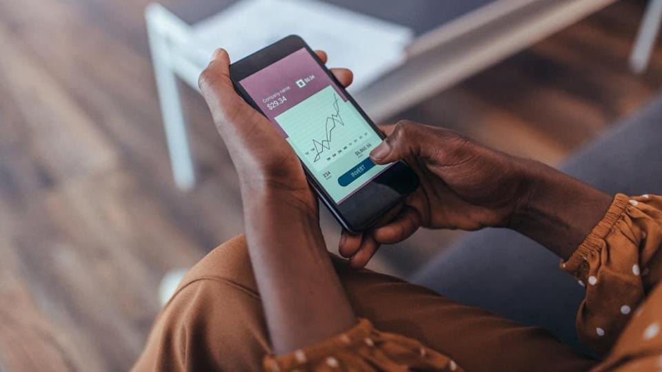 New Ways of Investing - Hands Only Using Smart Phone