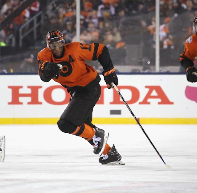 Forward Wayne Simmonds is joining his third NHL team after previous stints with the Philadelphia Flyers and Los Angeles Kings (AFP Photo/BRUCE BENNETT)